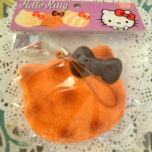 Hello Kitty Cracking Squishy
